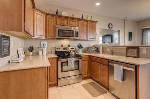 Latonia kitchen